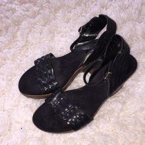 Super Comfy! Black Aresoles Sandals